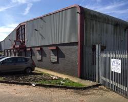 100 ft x 95 ft x 18 ft - (30.5m x 29m x 5.5m) Used Steel Building For Sale