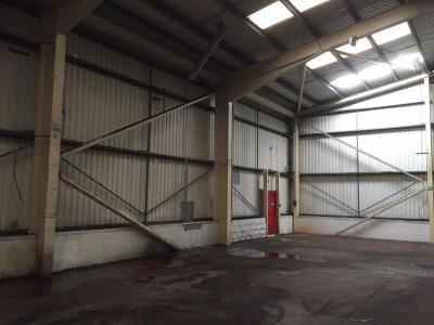131 ft x 100 ft x 23 ft - (40m x 30.5m x 7m) Used Steel Building