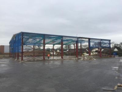 120 ft x 100 ft x 25 ft - (36.6m x 30.5m x 7.7m) Used Building for sale