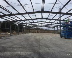 190 ft x 70 ft x 16 ft - (58m x 21.3m x 4.85m) Used Steel Building